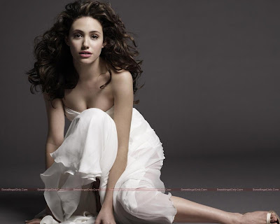 emmy_rossum_hot_wallpaper_35_SweetAngelOnly.com