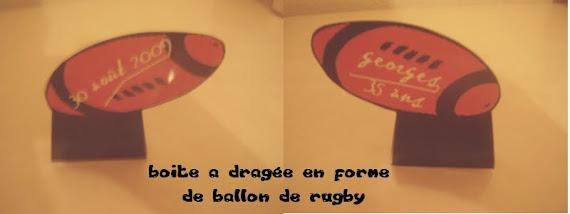 boite en forme de ballon de rugby