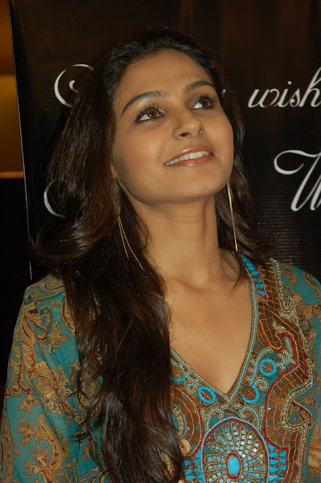andrea jeremiah playback singer photo gallery