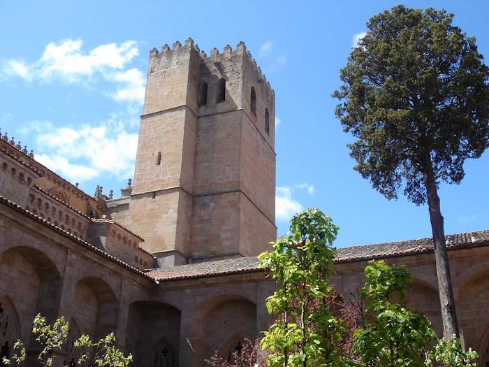 Sigüenza, la catedral desde el patio interior