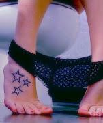 Sexy manera de mostrar tus tatuajes de estrellas star tattoo sexy