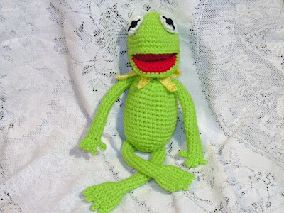 Frog Puppet - is five