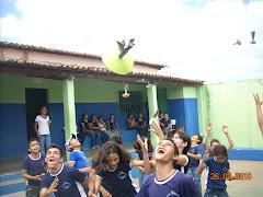 O peteca foi lançado em Guassussê pelos estudantes protagonistas principais