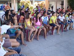 AS CRIANÇAS,ADOLESCENTES E JOVENS PARTICIPAM DA GINCANA DE PARÓDIAS