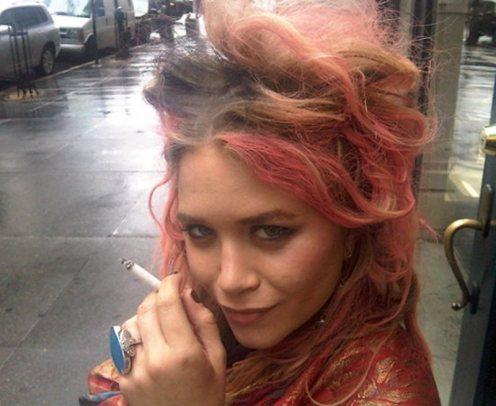 Dolly Rocker Girl Pretty Pink Hair Big Brown Dress Hair