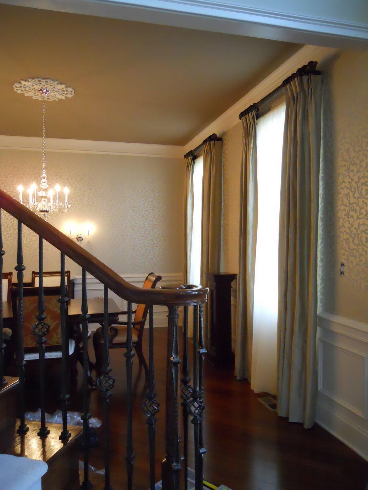 Wallpaper ideas for foyer for Foyer wallpaper ideas