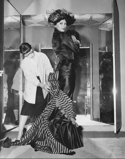 Edith Head Famous Dresses I know, right?: The Le...