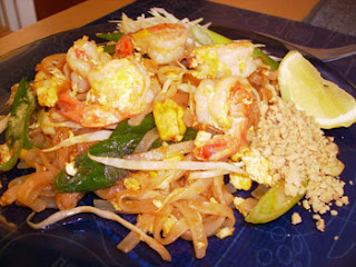 Fried rice noodle with shrimp