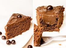 Amarettós-csokoládés mascarponéval töltött csokoládétorta