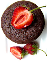 Eperrel és fehér csokival töltött csokis muffin
