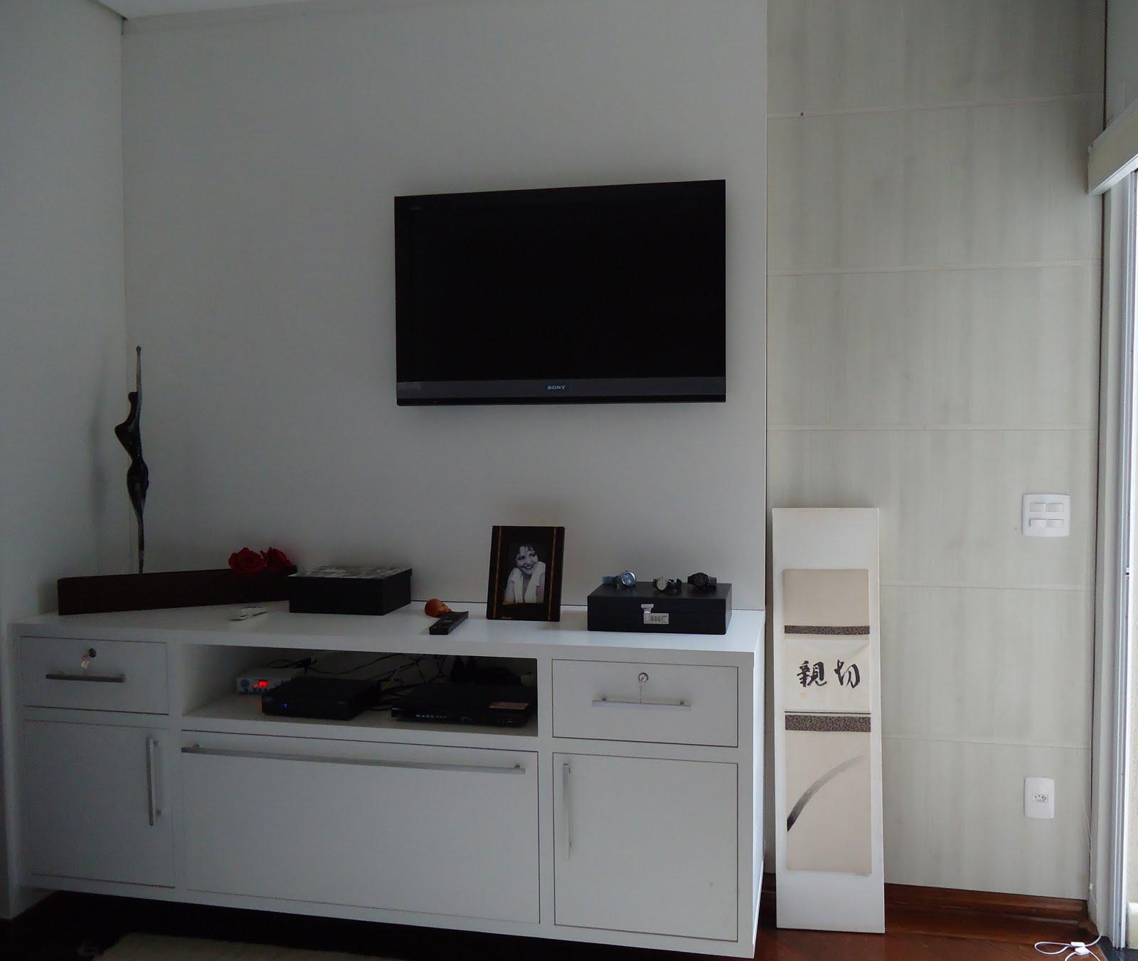 Aqui é o quarto do casal painel em MDF branco e o lateral é  #5B4038 1600 1351
