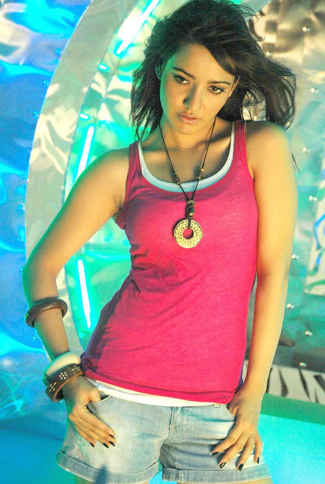 neha sharma hot images