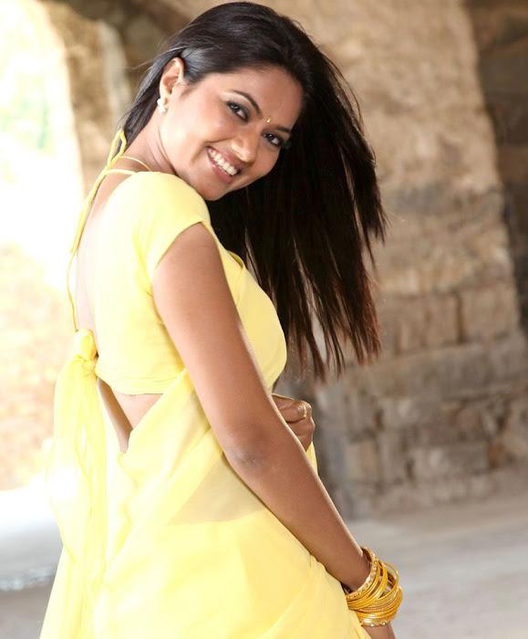 suhasini mouna ragam heroine in saree latest photos