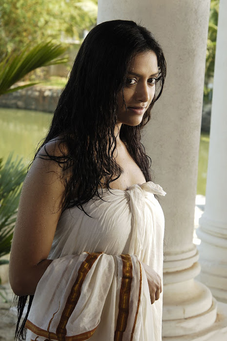 mamta mohandas malayalam movie sensious actress pics
