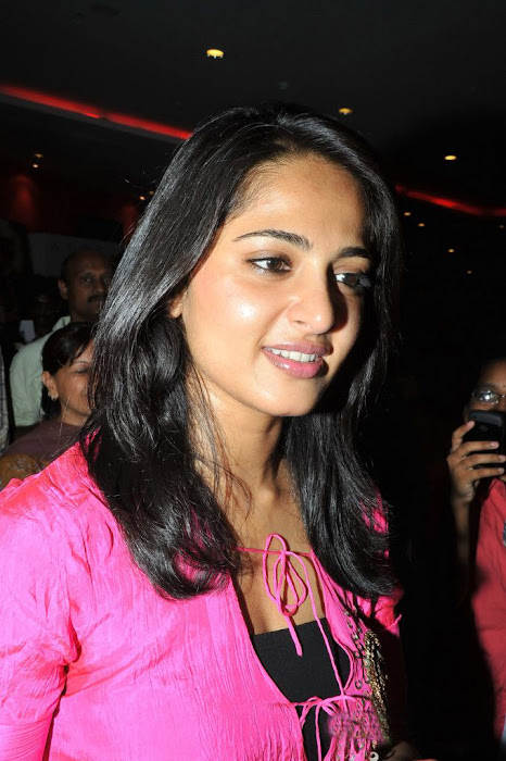 anushka vedam movie press meet actress pics