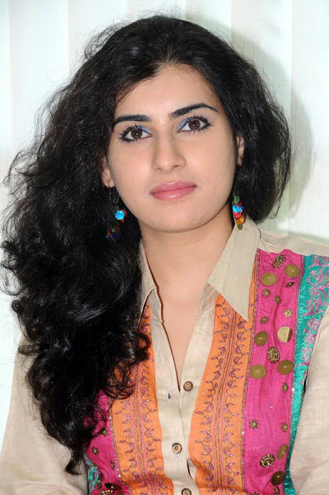 archana poses latest photos