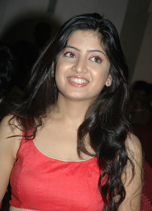poonam kaur n at gaganam press meet latest photos