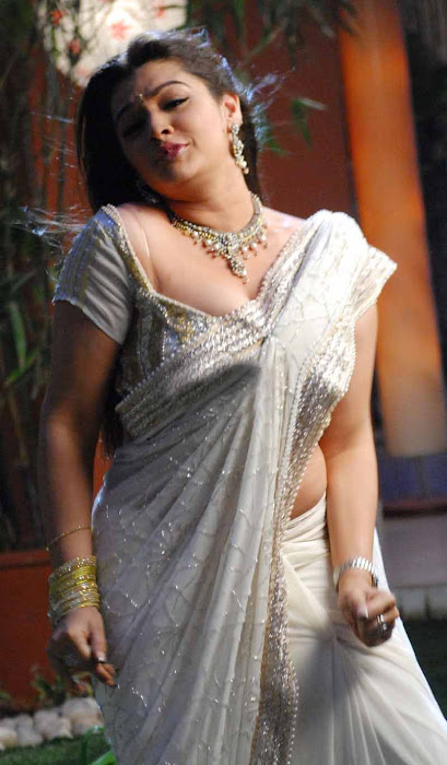 aarthi agarwal in bmym romantic song glamour  images