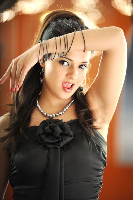 saloni n spicy from maryada ramanna unseen pics