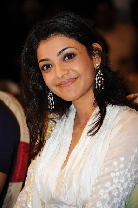 kajal agarwal bouncy looks robo music launch