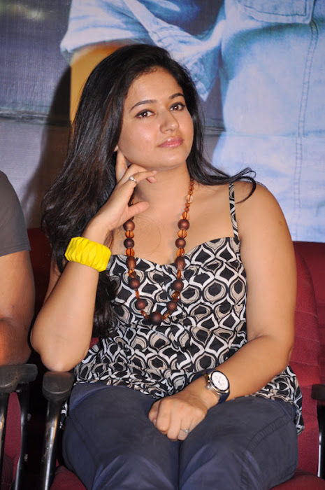 skin of poonam bajwa at a event actress pics