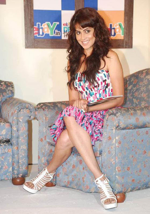 bubbly genelia at ebay promotion unseen pics