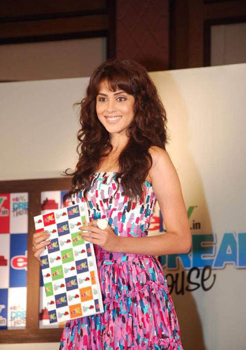 bubbly genelia at ebay promotion photo gallery