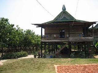 Rumah-bolaang-mongondow-Sulut-traditional-house