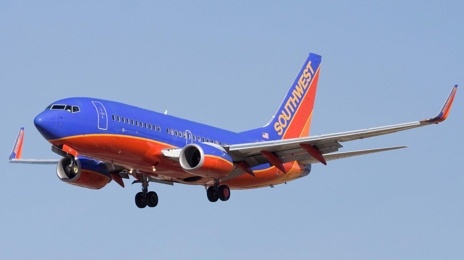 http://3.bp.blogspot.com/_ja676MG45Zg/S8yA2GG0yyI/AAAAAAAADKM/15NkjbwK6Go/s1600/Southwest-airlines-boeing-b737.jpg