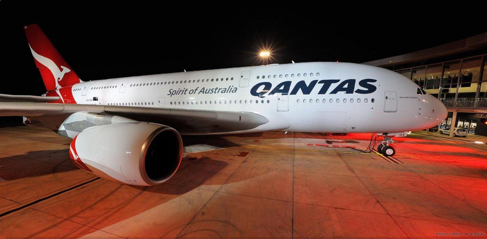 http://3.bp.blogspot.com/_ja676MG45Zg/S_cddCQ1YwI/AAAAAAAADZQ/KVANbkMsJBQ/s1600/qantas-airbus-a380-super-jumbo-jet.jpg