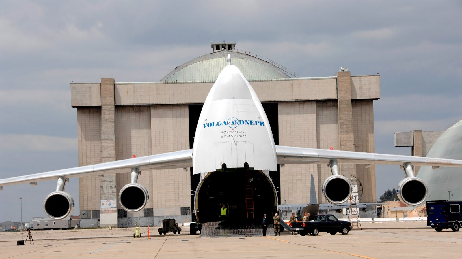 http://3.bp.blogspot.com/_ja676MG45Zg/TB2t4Xv6uxI/AAAAAAAADyE/s9gHzyZVKN4/s1600/Antonov-225-Noise-Opened-1.JPG