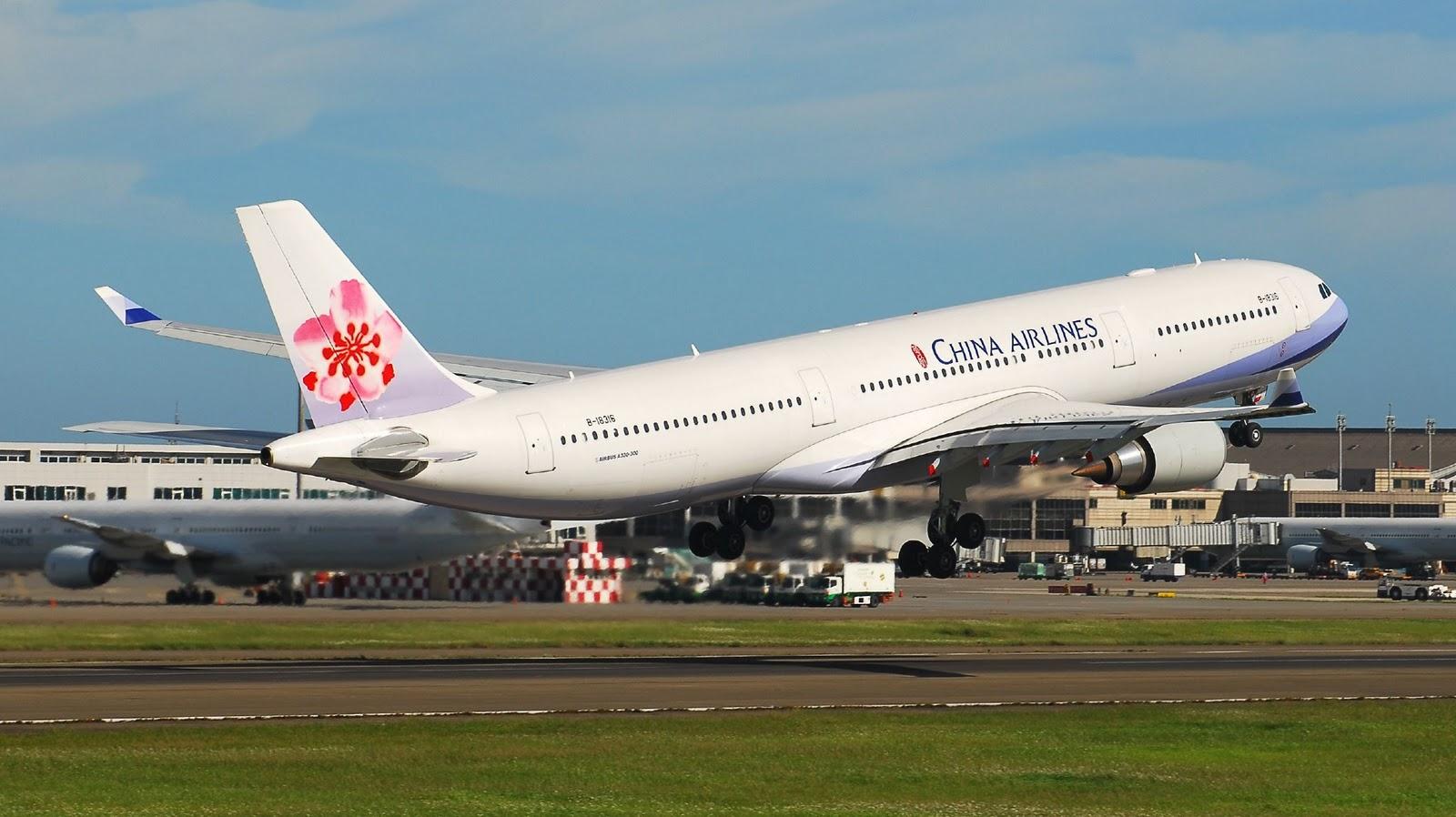 http://3.bp.blogspot.com/_ja676MG45Zg/TQ9a79TiN-I/AAAAAAAAExw/aDWQEKoiDf4/s1600/china-airlines-airbus-a330-300-takeoff.jpg