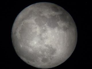 foto dunha lua chea