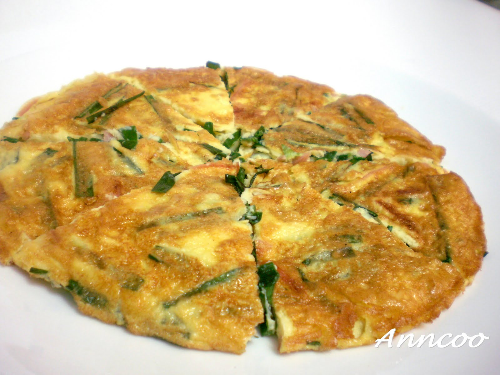 Omelette with Chives & Ham 韭菜火腿蛋