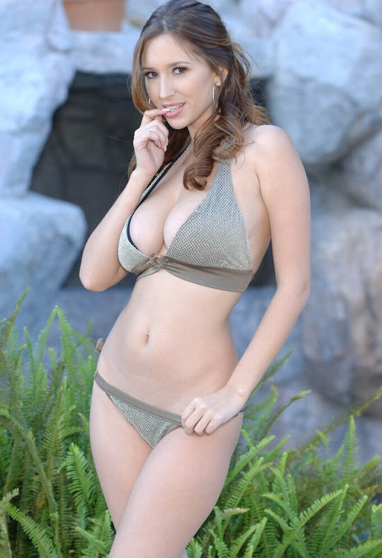 Shay Laren Photo Shoot In Bikini