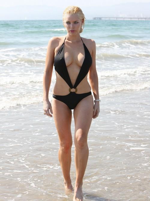 Sophie Monk Bikini Picture