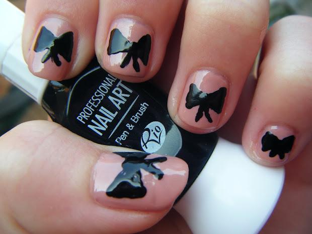 paintawaygirls girly bow & spots