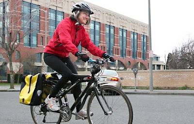 Image of bike commuter Helen Scholtz