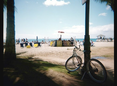 Image of bicycle on Hawaii beach
