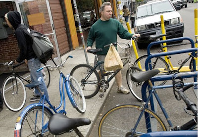 Image of bike parking in Portland, Oregon