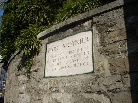 Plaque à l'entrée de la maison Moynier