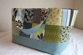http://www.eatpraycreate.com/2009/01/large-fabric-basket.html