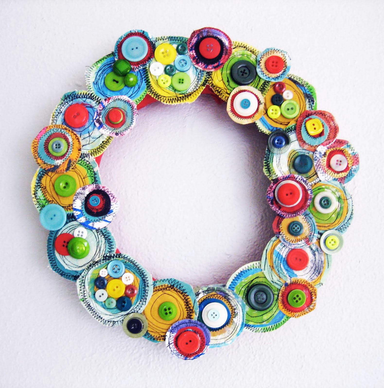 alisaburke: Canvas Layers Holiday Wreath