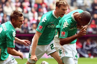Naldo (right) fired Bremen's second against Bayern