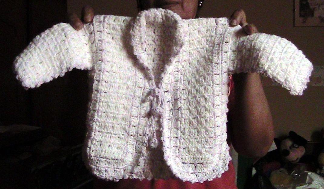 chompa para bebé tejida a crochet