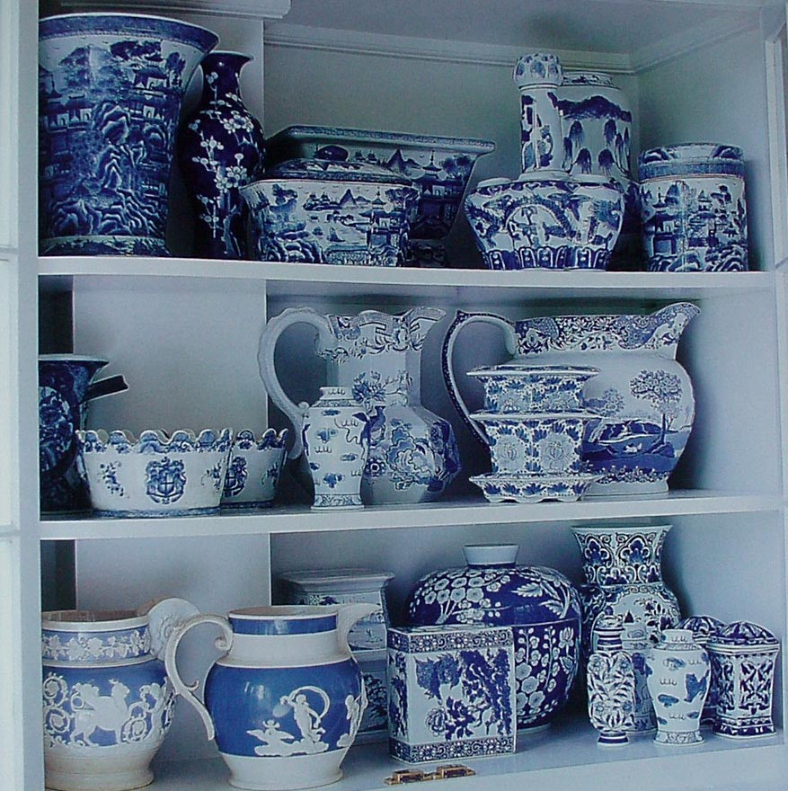 Mary maki rae blue white decor 3 for Decorating with blue and white pottery