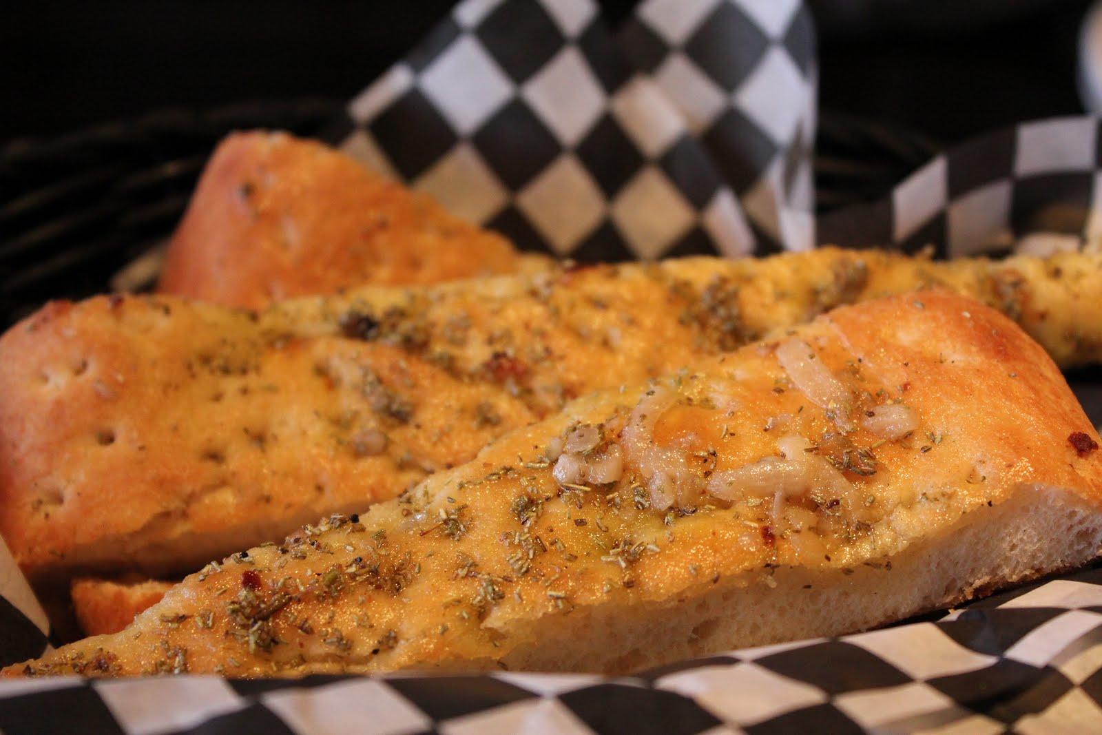 garlic bread - Marias Italian Kitchen