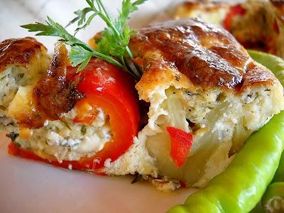 Articole culinare : Rulouri de dovlecei cu cas la cuptor