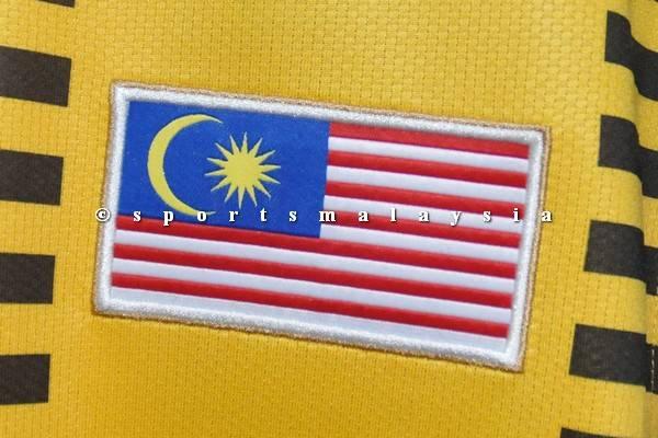 Lambang bendera Malaysia di bahagian dada sebelah kiri jersi -
