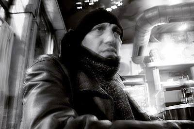 portrait de Vin Rouge (Philippe Grandhenry) présentateur du festival 'les ardentes' à Liège, photo © dominique houcmant
